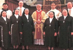 La Comunità in occasione dei 25 anni di presenza e di  servizio alla Custodia dei Frati Minori
